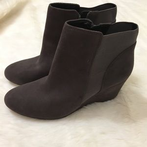 New Clarks Brown Suede Boots Size 10